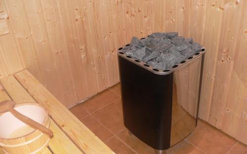 Saunová kamna s lávovými kameny